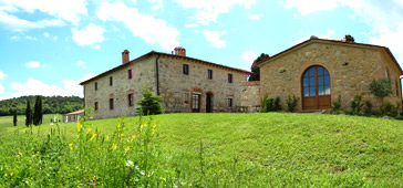 farmhouse in tuscany wit romantic restaurant