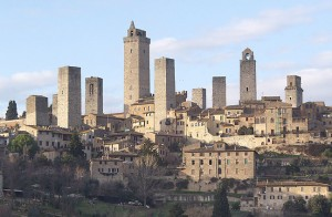 Visit San Gimignano near the rental Villa