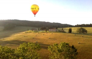 hot air balloon flights directly from the Villa Ginepraie.
