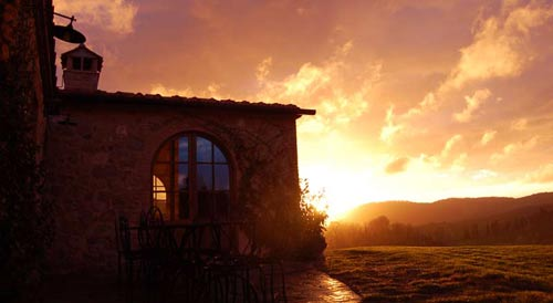 tuscany villa rent with restaurant