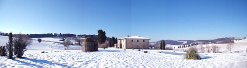 pictures of villa in tuscany with snow