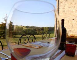 drink wine in tuscany