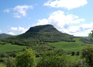 mountain in tuscany