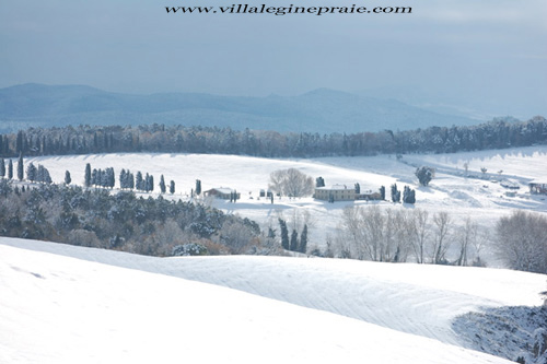 photo of tuscany villa in winter time
