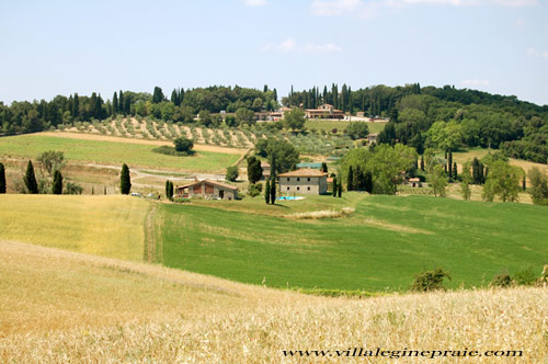 summer in Tuscany: the villa