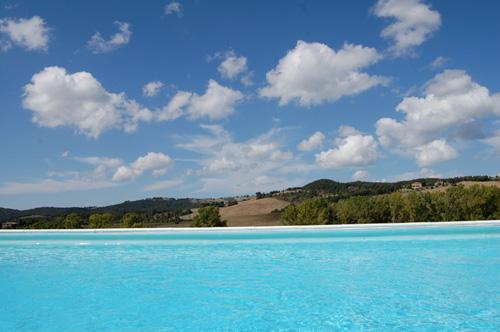 panoramic view villa in tuscany