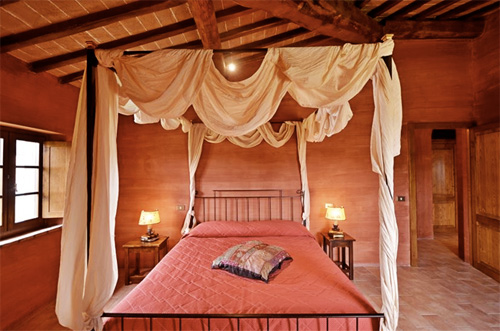 villa in tuscany bed