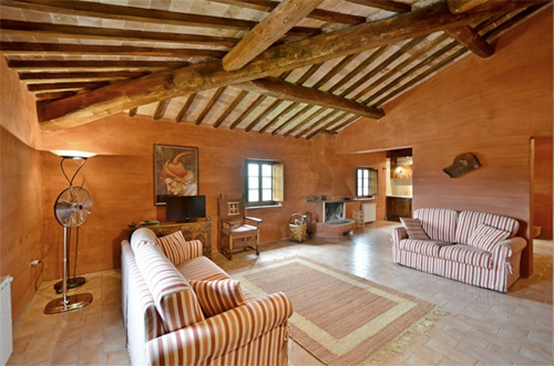 villa in tuscany living room