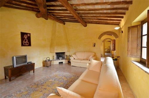living room of tuscan villa