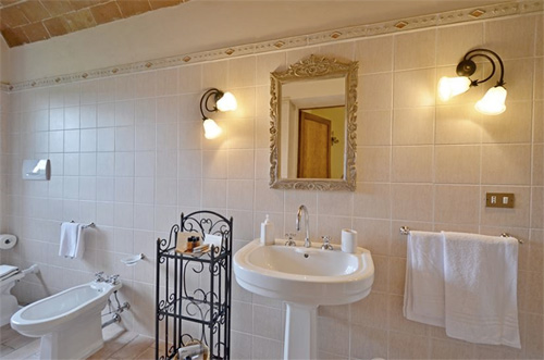the bathroom of tuscan villa
