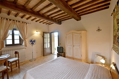 the room of the farmhouse in tuscany