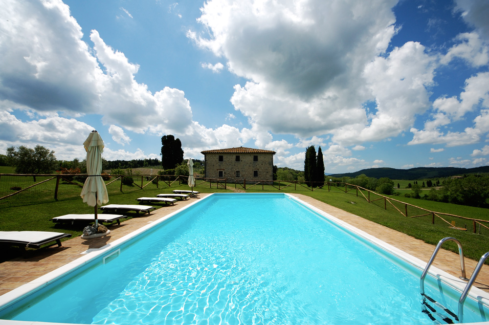 the-pool-of-tuscan-villa