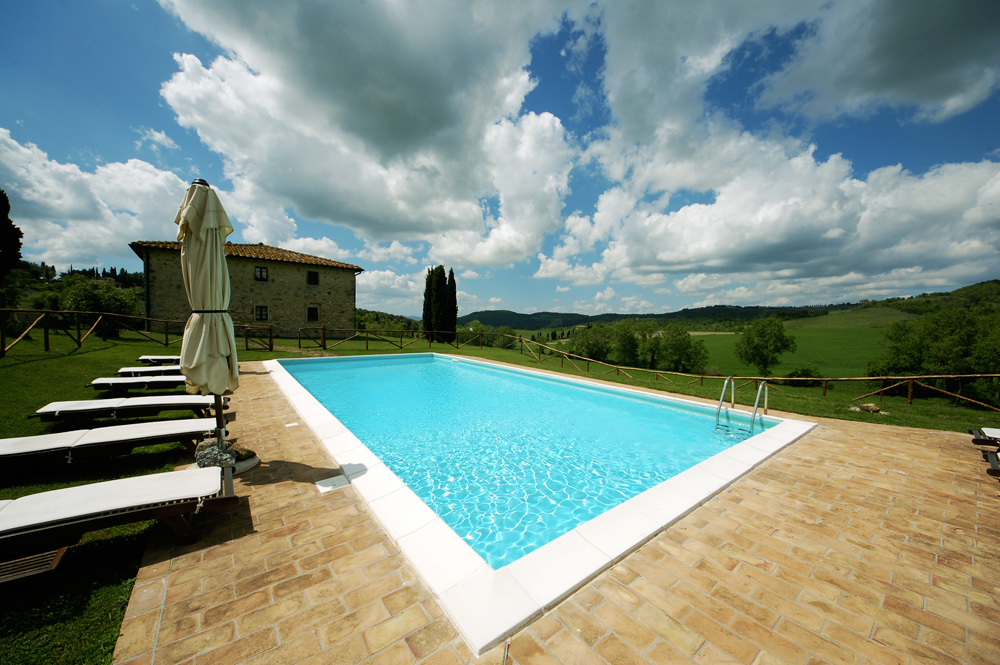 tuscan-villa-pool