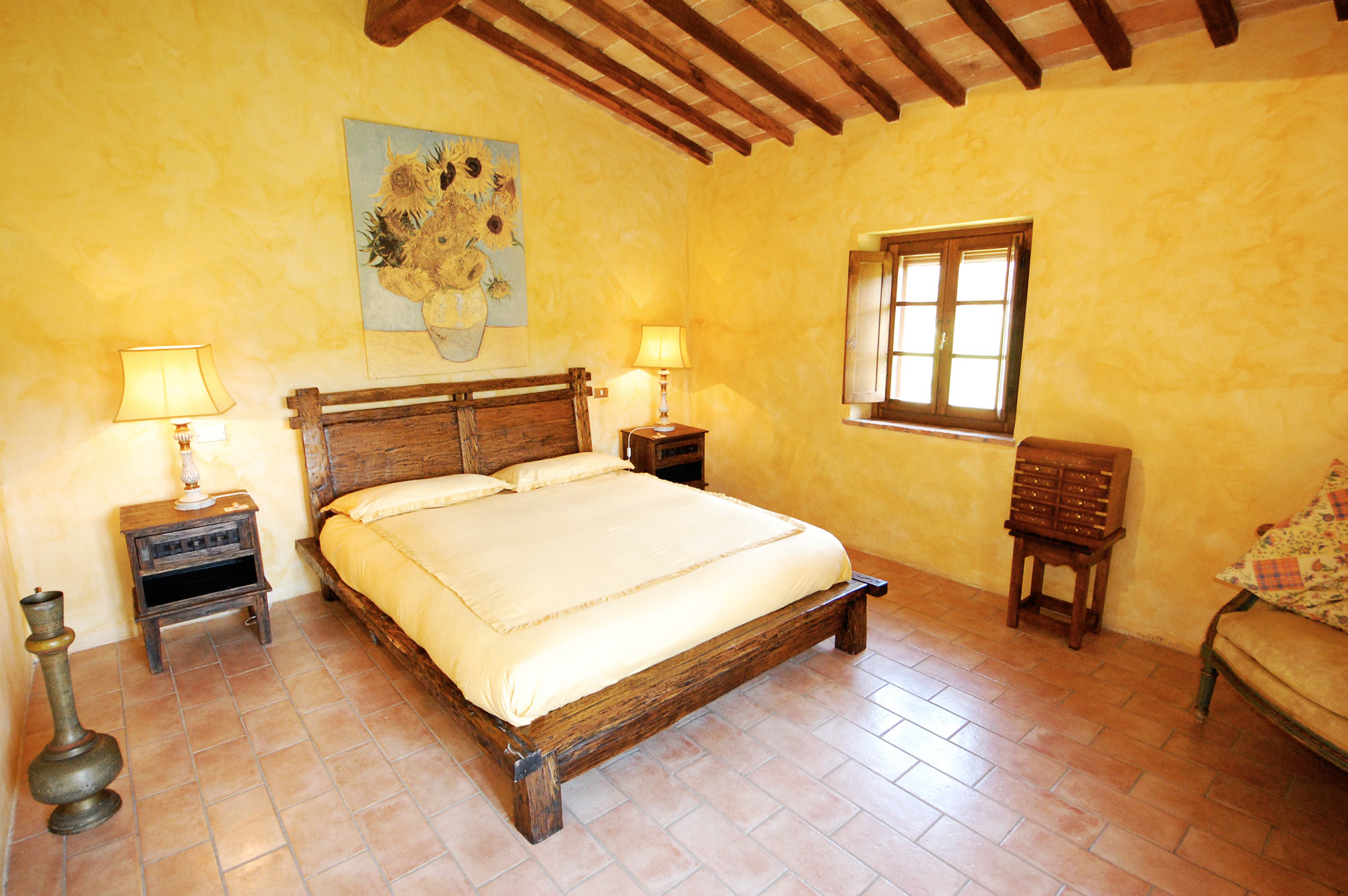 bed of the tuscan villa