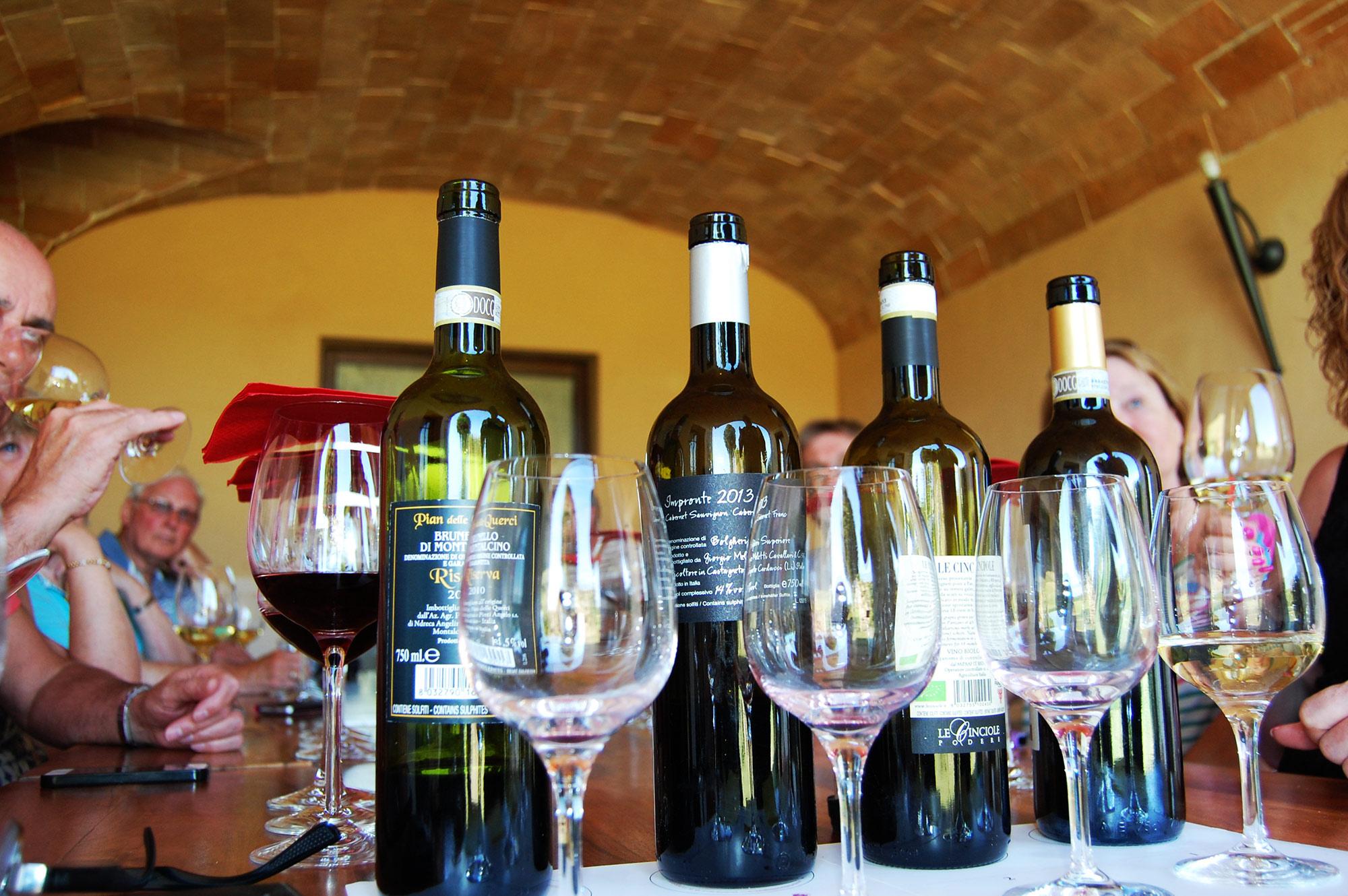Villa in Tuscany wine tasting