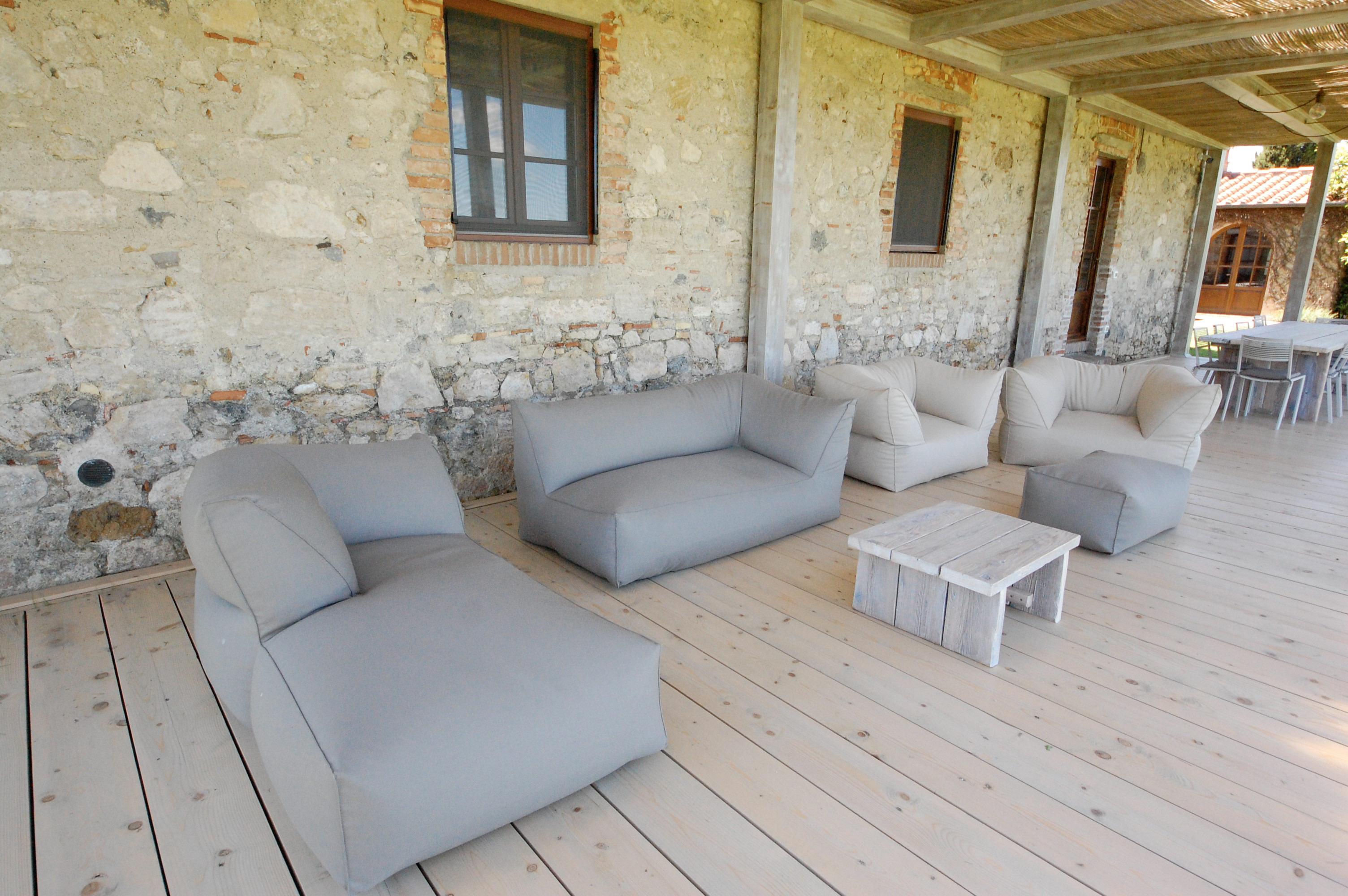 living room tuscan pergola