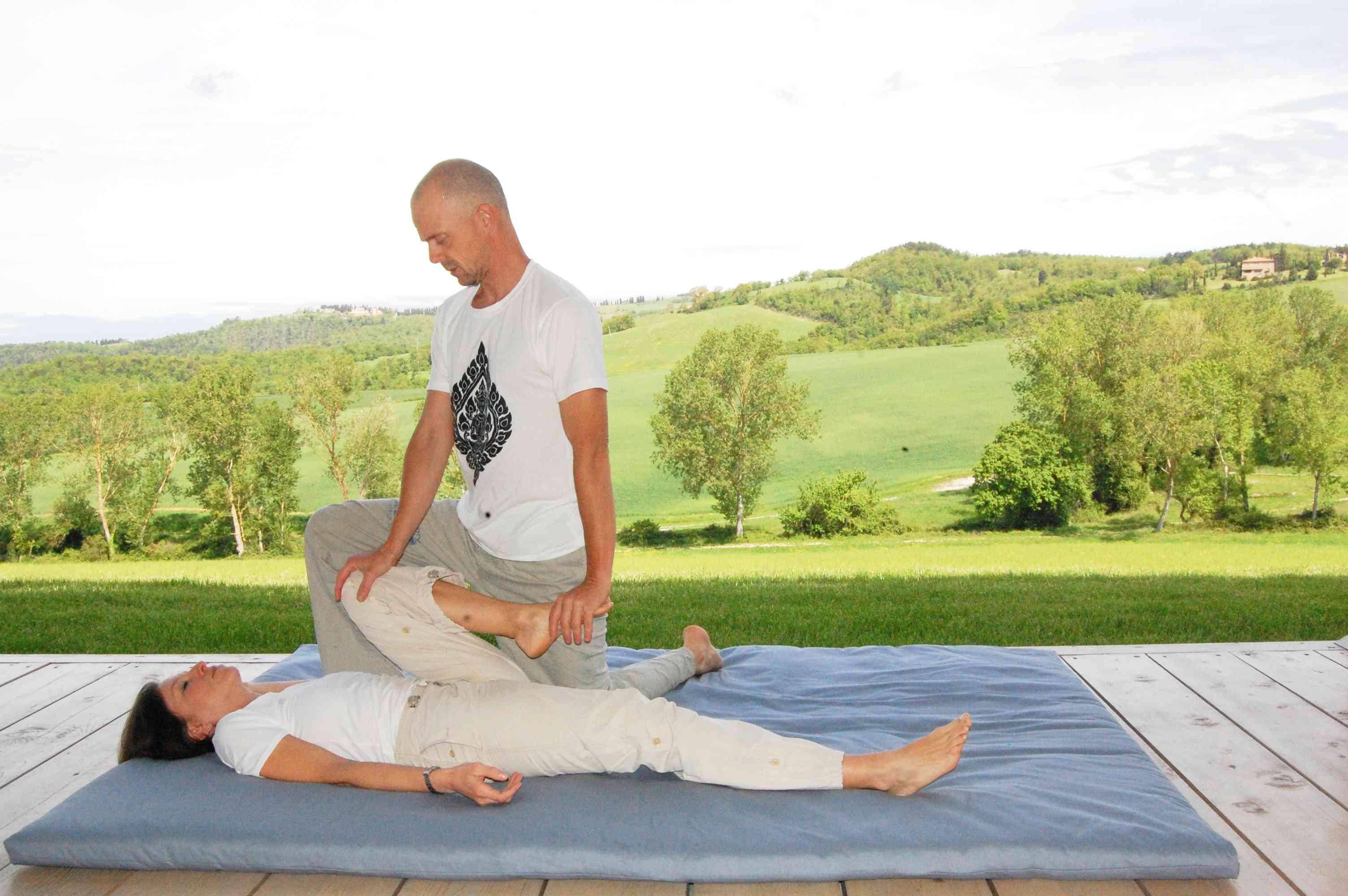 thai massage at the legs