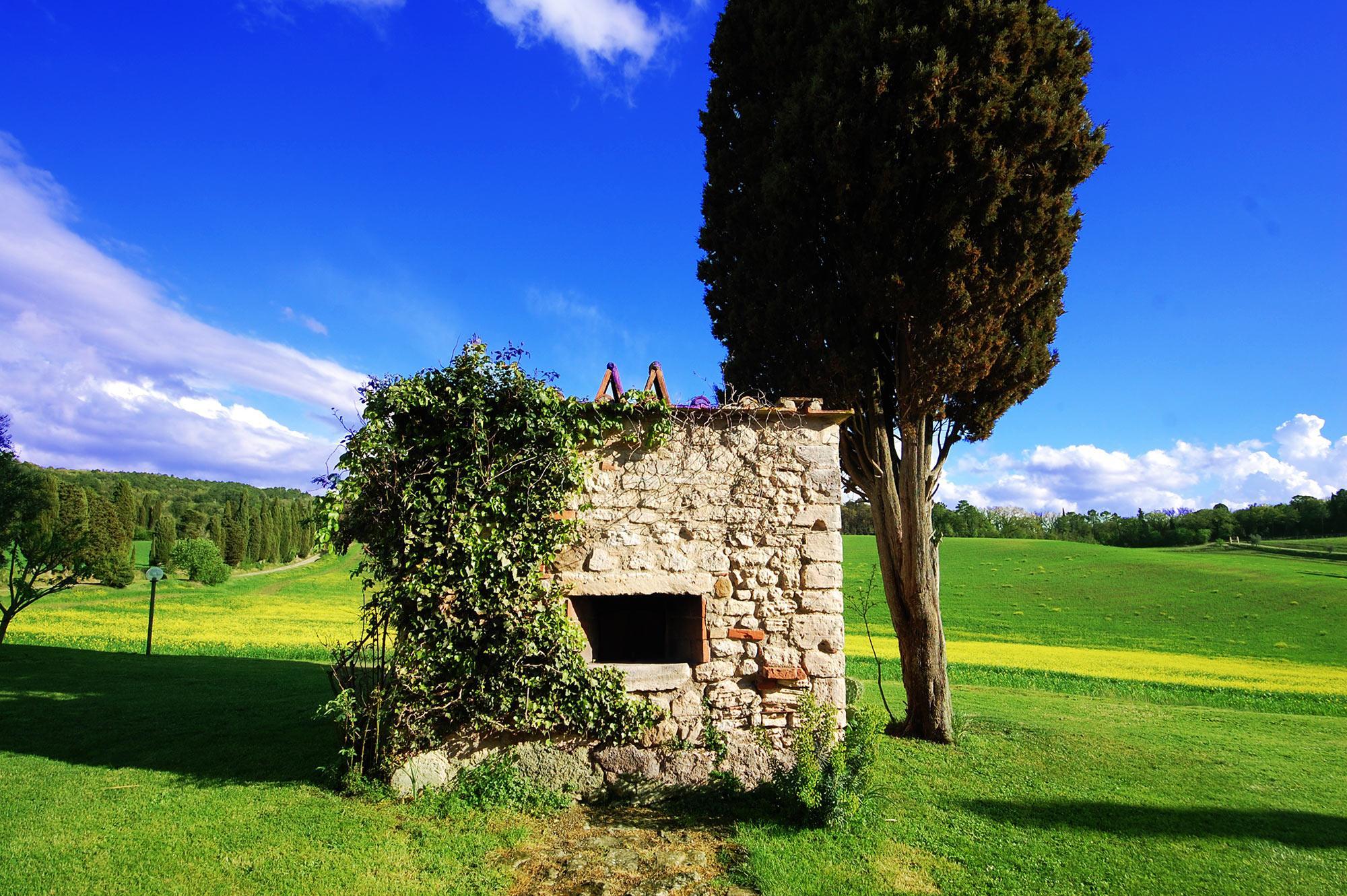 stono oven of tuscan villa