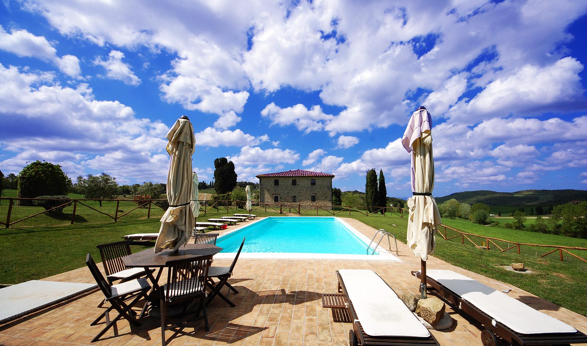 villa in tuscany housekeeper