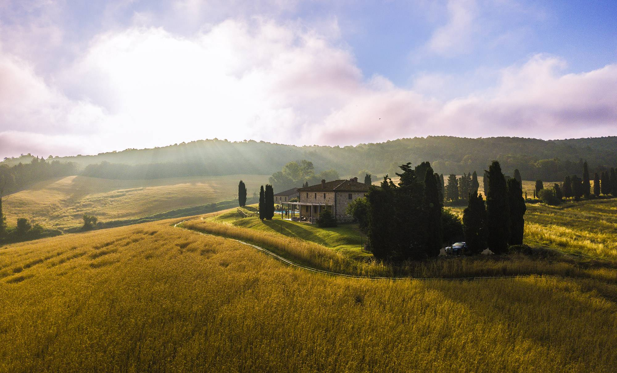 villa in tuscany hiking