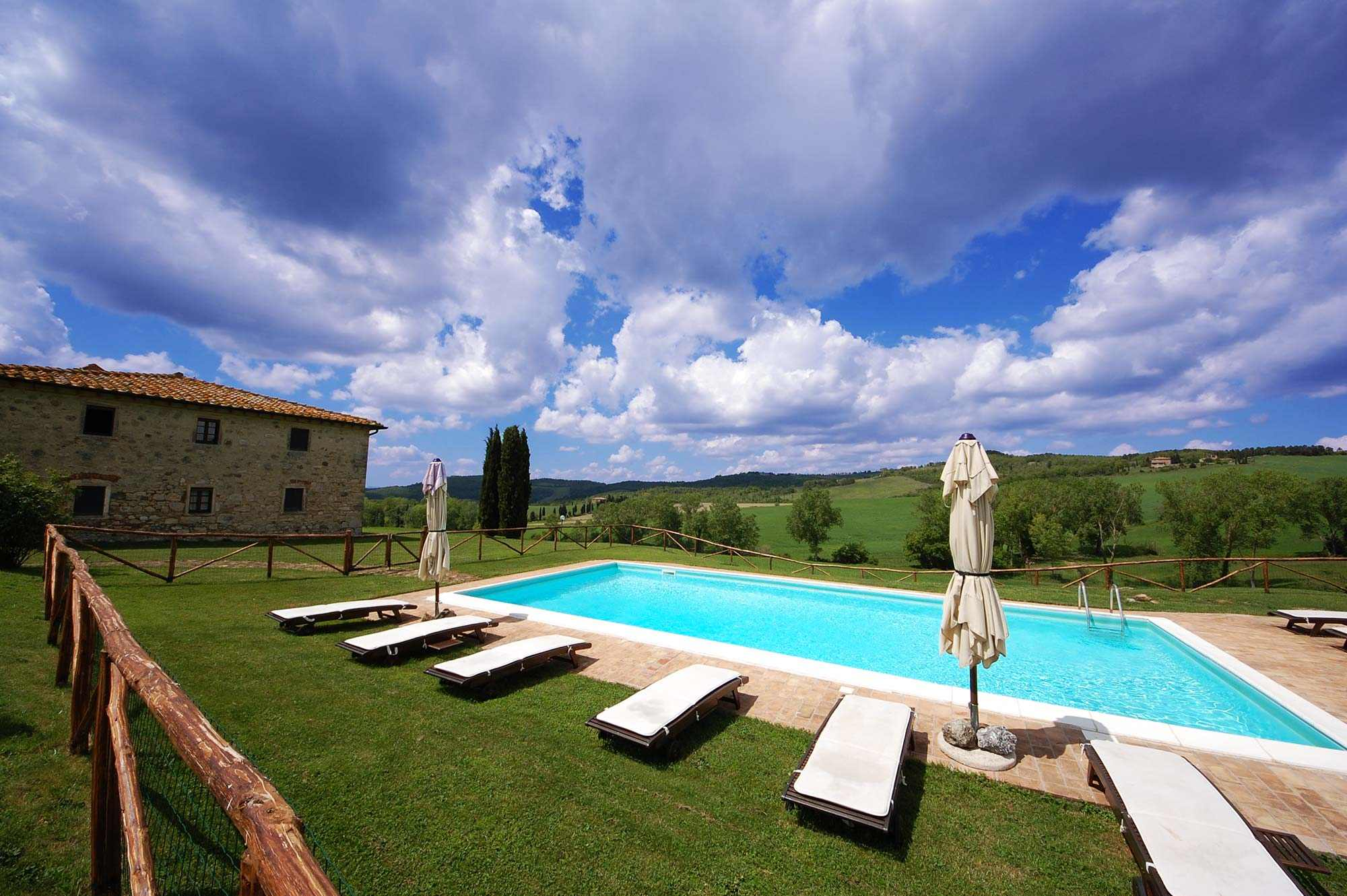 rent farmhouse with pool