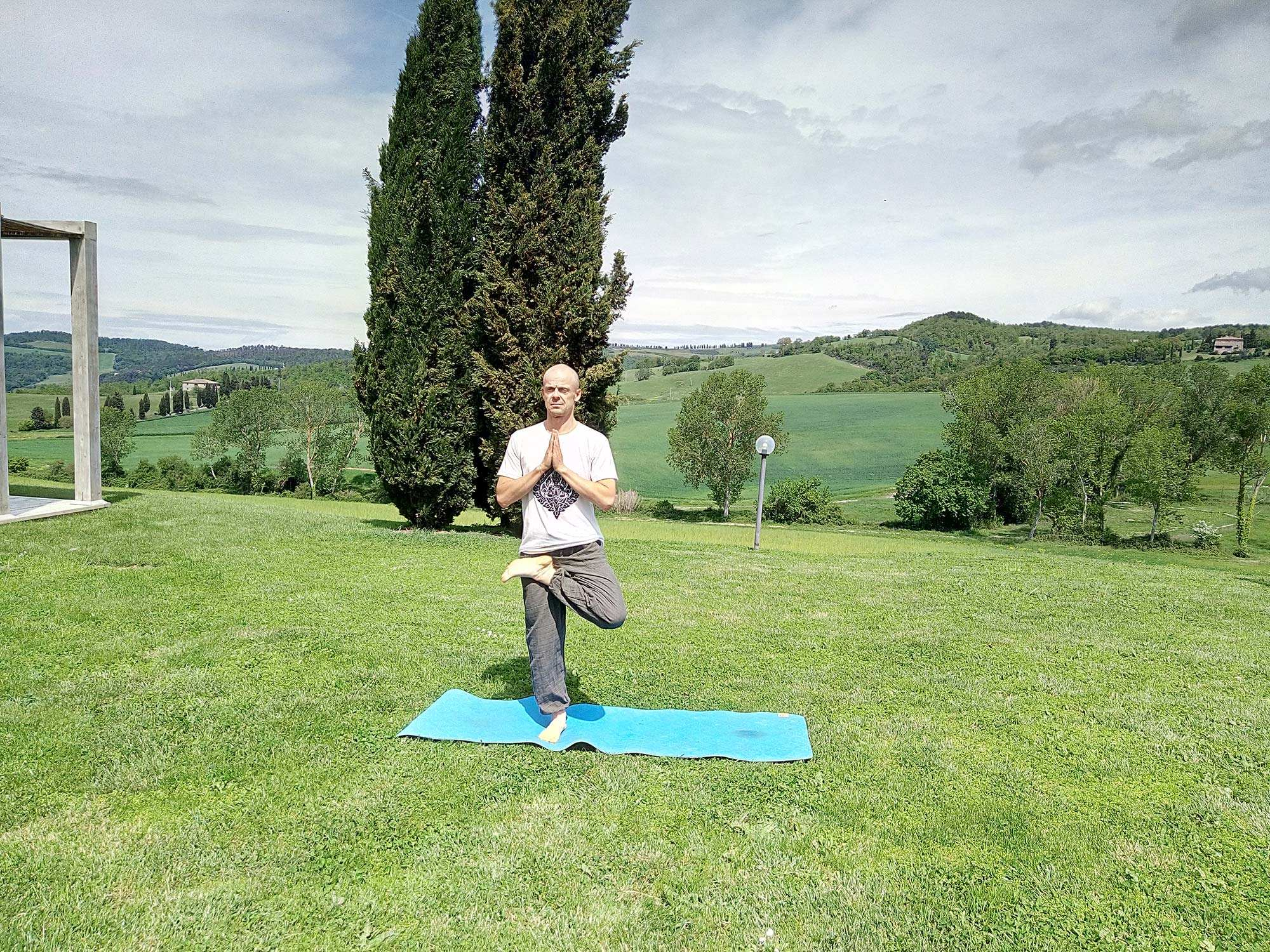 yoga classes in tuscany