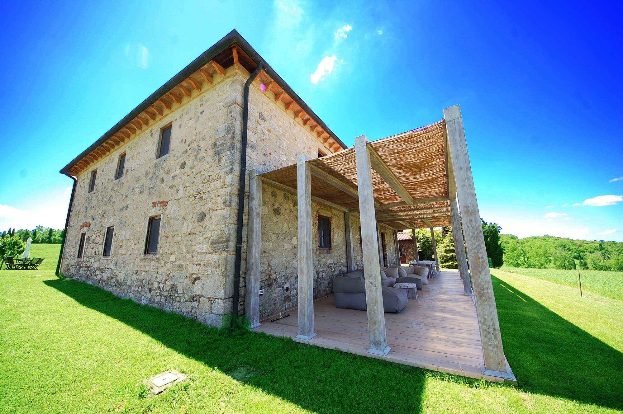 service staf for tuscany villa