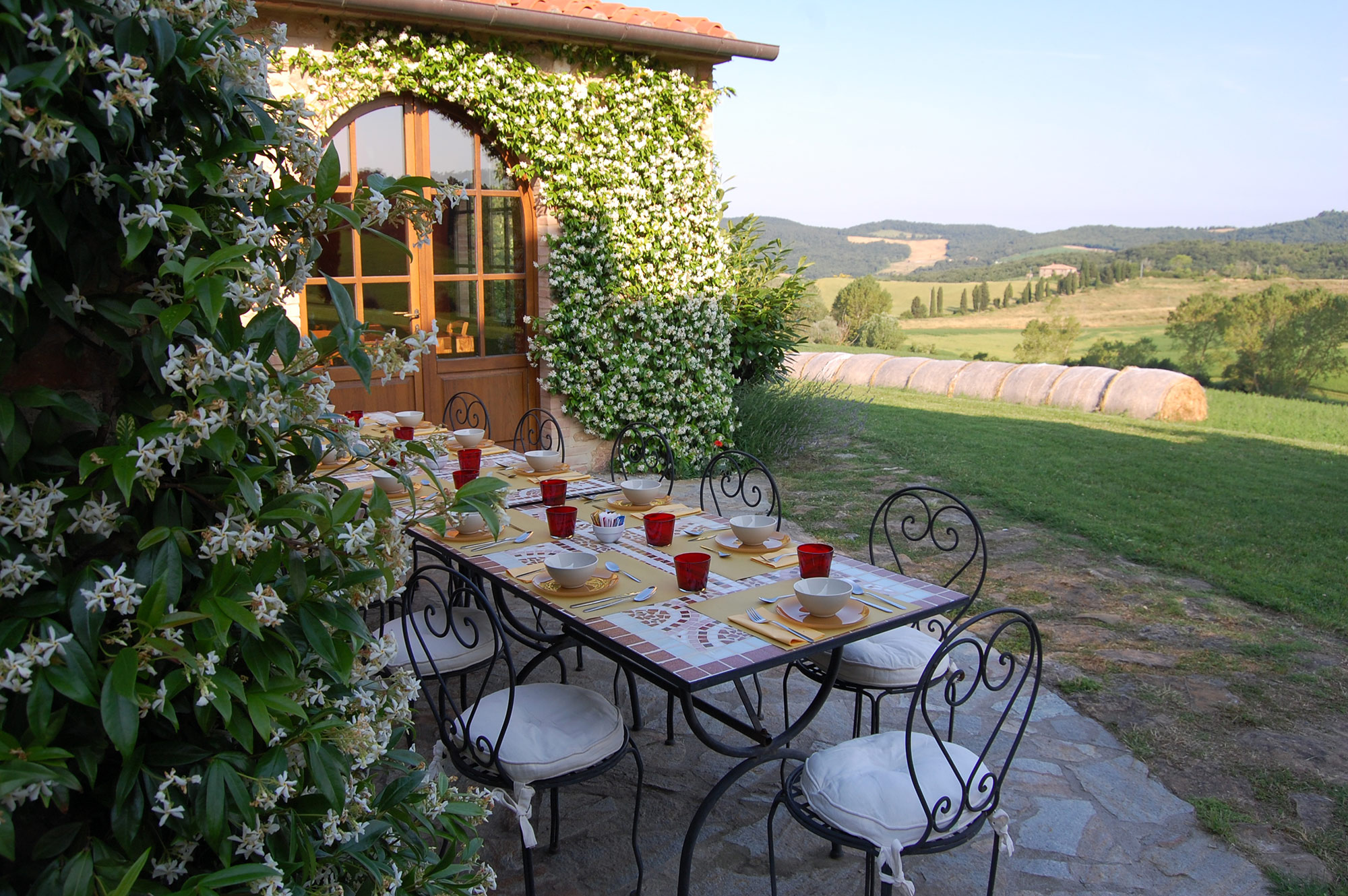 the exterior restaurant of the villa