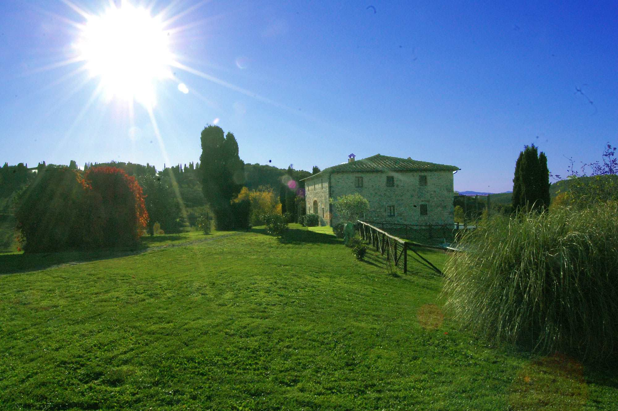 rent indipendent tuscan villa