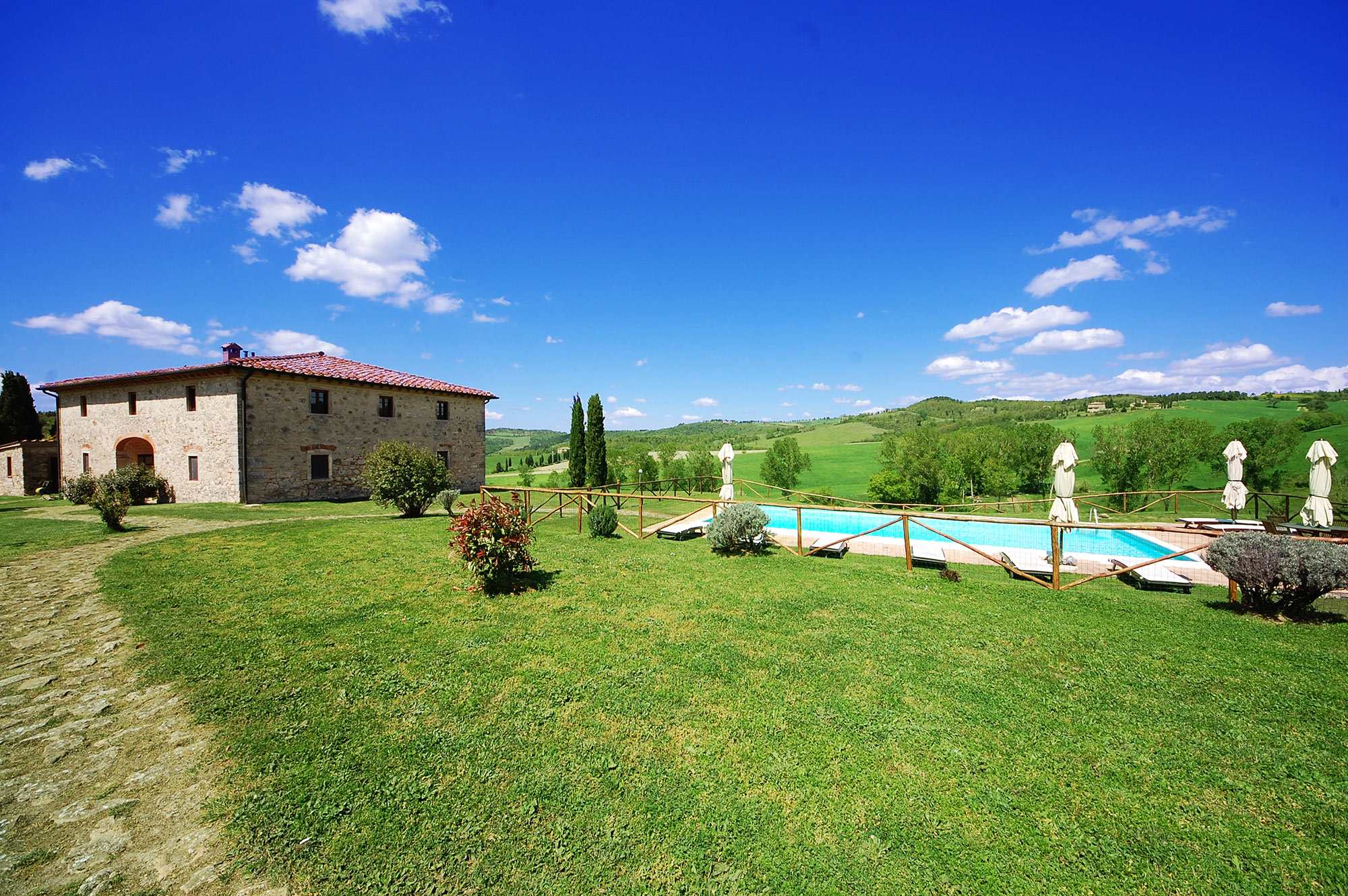 rent tuscan villa privacy