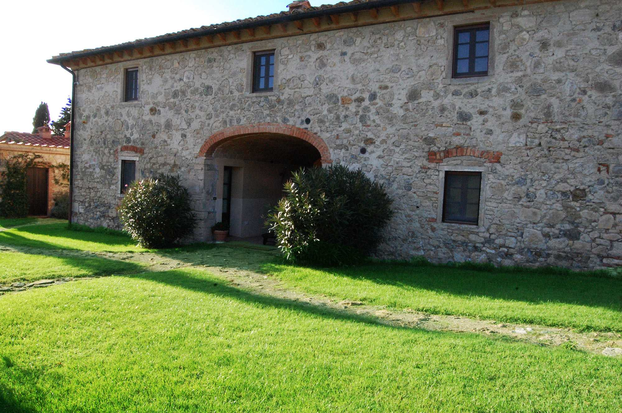 Tuscany villa rental with catering