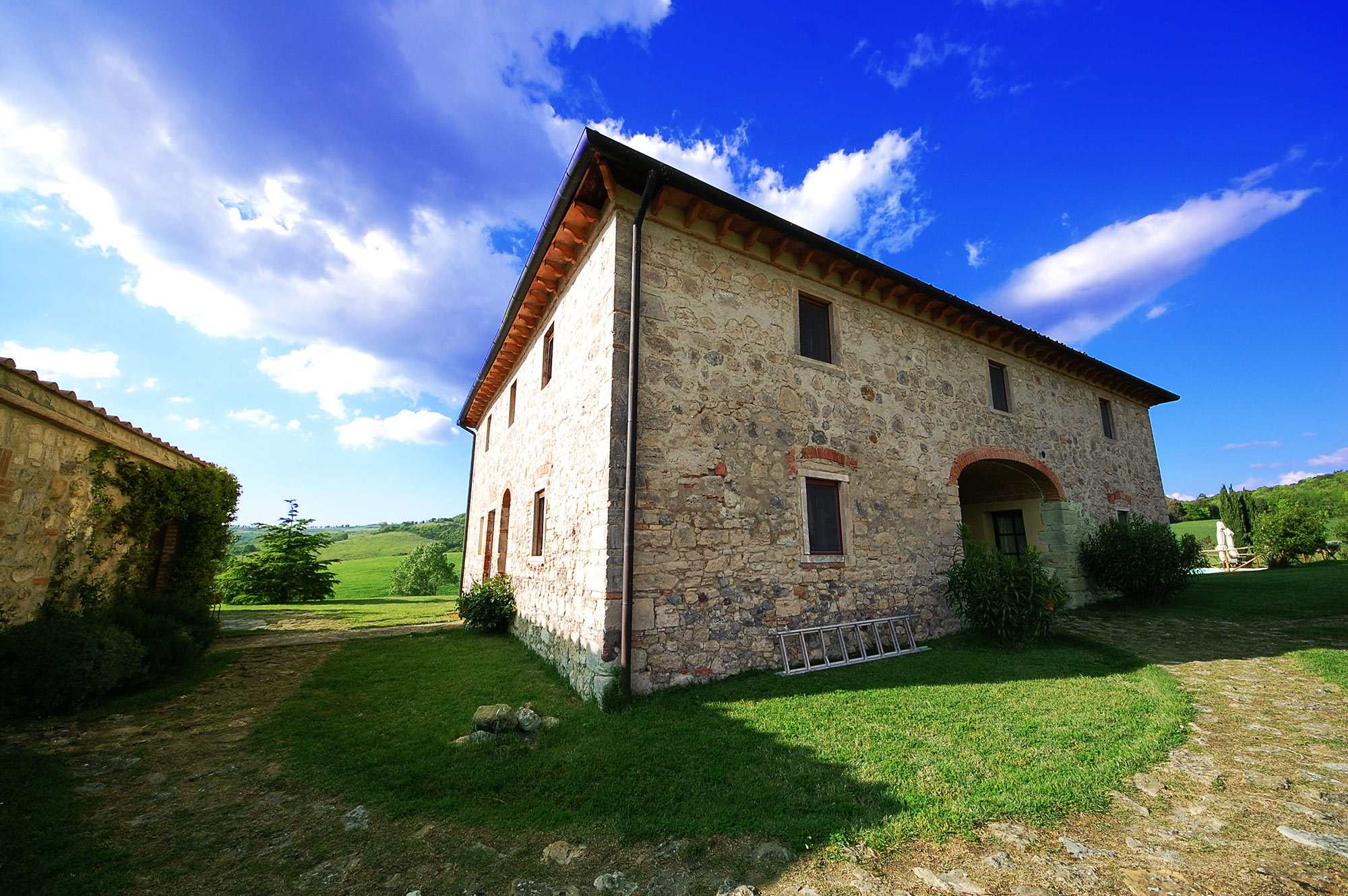 rent tuscan villa 10 people easter