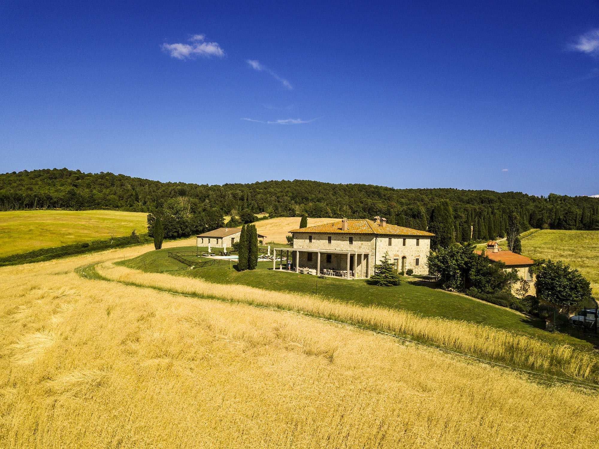 tuscan villa 500 sqm