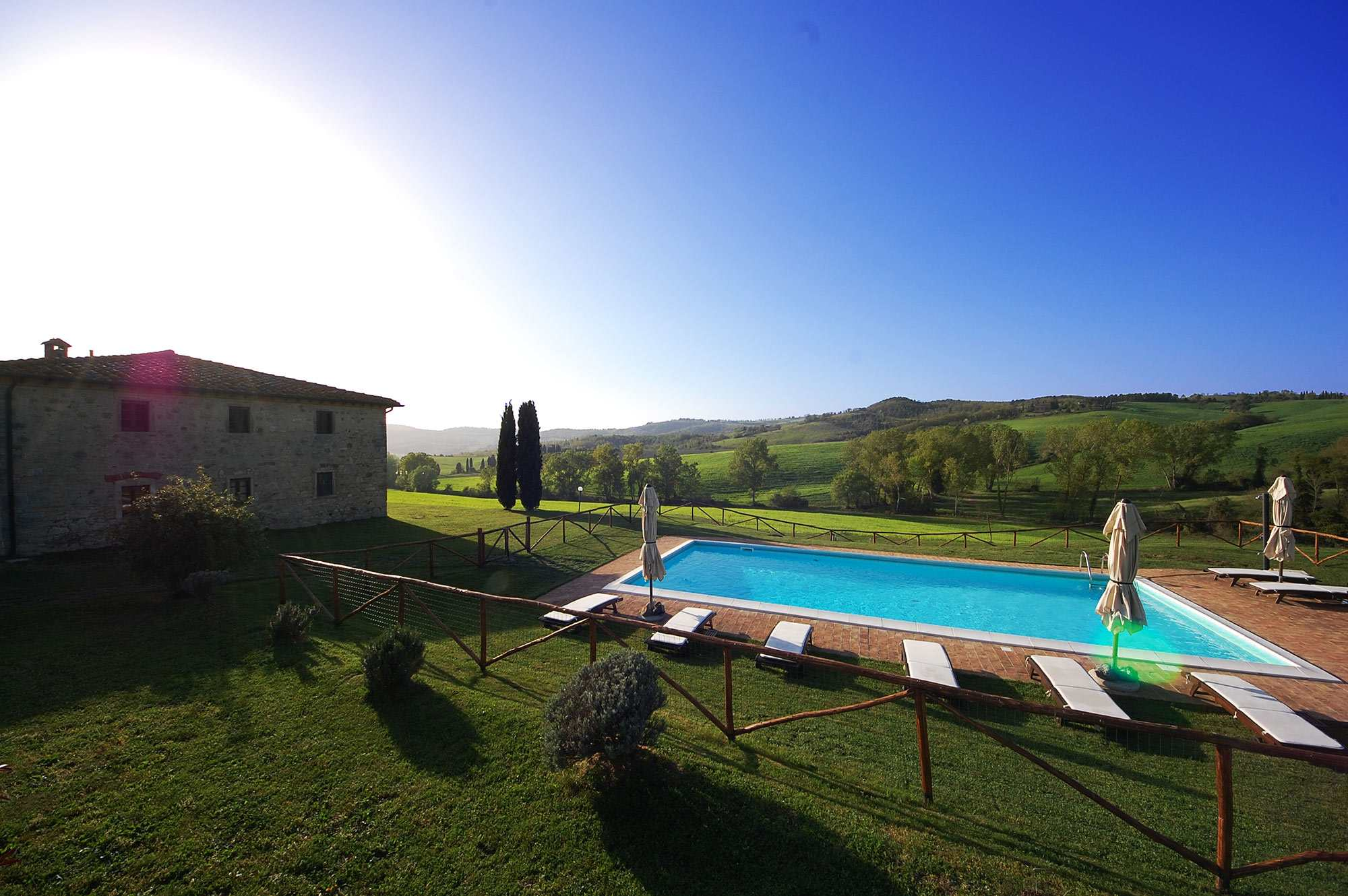 rent villa in Tuscany 8 persons